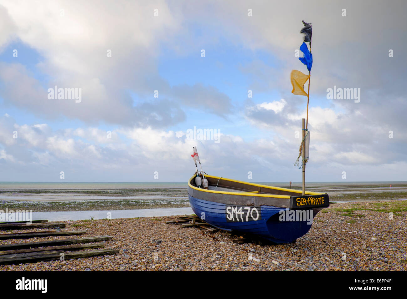 Goring By Sea, West Sussex, UK. 29th August, 2014. UK weather. Goring By Sea starts it's day warm and breezy. - Stock Image