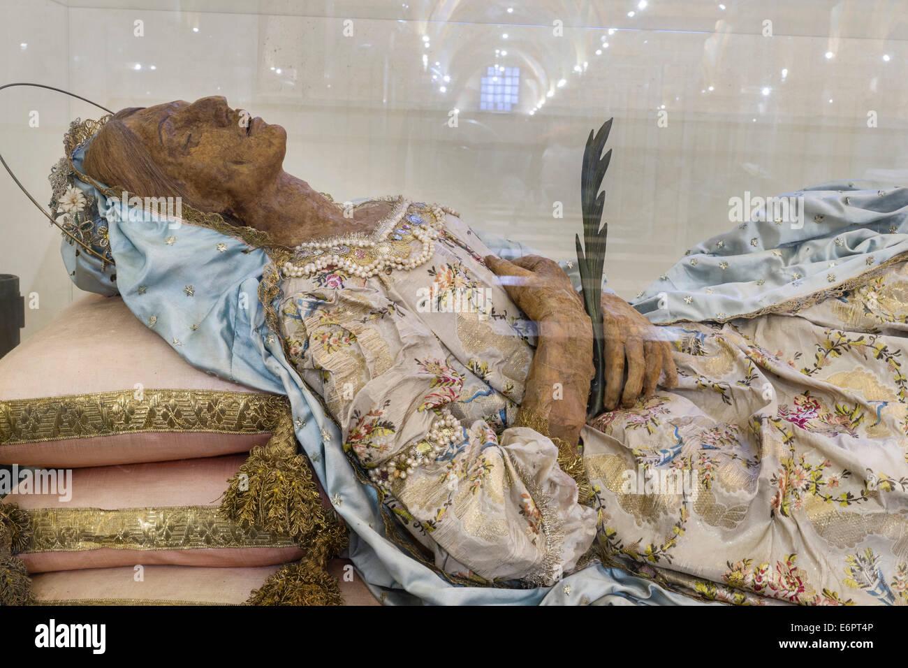 The mortal remains of the saint Santa Columba, mummy, crypt, Cathedral of San Sabino, Bari, Apulia, Italy - Stock Image