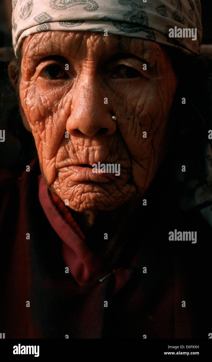 Old woman beggar ( Nepal) - Stock Image