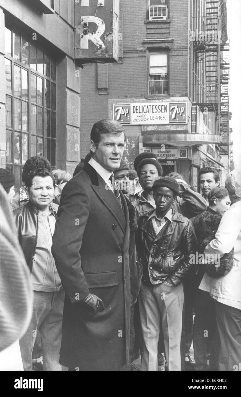 Nov 4, 1960 - Harlem, New York, U.S. - Sir Roger George Moore, KBE (born 14 October 1927) is an English actor. He - Stock Image