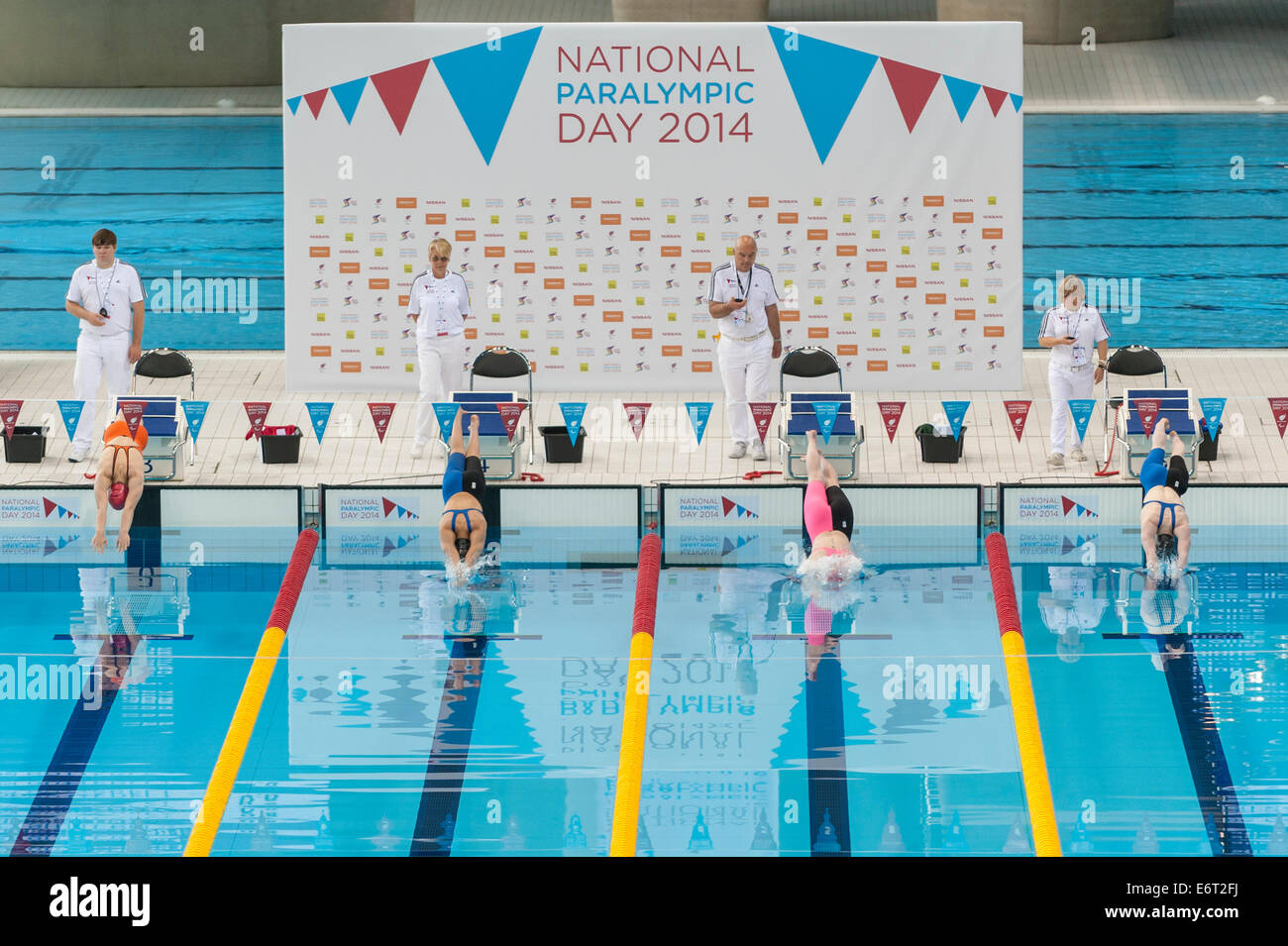 Paralympic swimmer dive stock photos paralympic swimmer - Queen elizabeth olympic park swimming pool ...