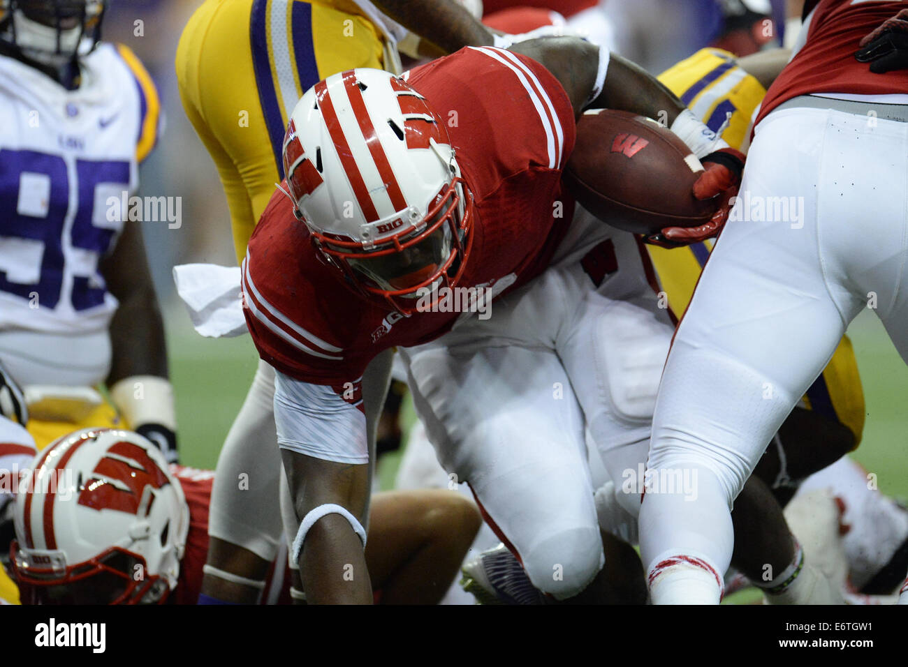 Houston, Texas, USA. 30th Aug, 2014. Wisconsin Badgers running back Corey Clement (6) fights his way into the endzone - Stock Image