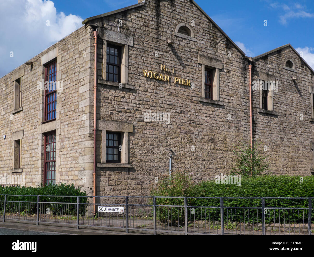 No 1 Wigan Pier built 1777 Terminus Warehouse used to store