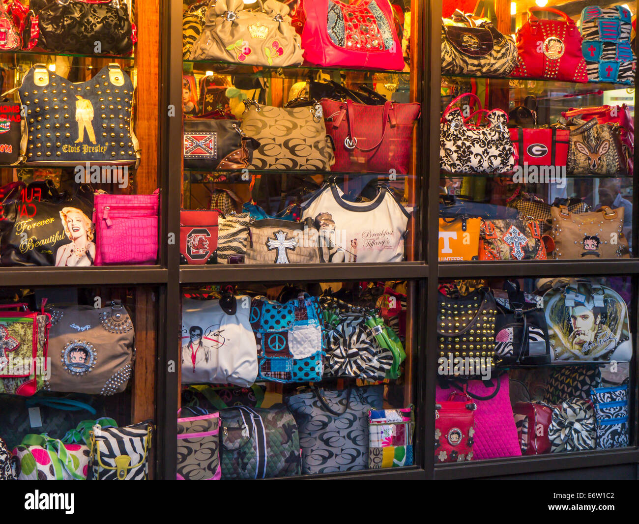 Womans handbags in shop window in Gatlinburg tennessee - Stock Image