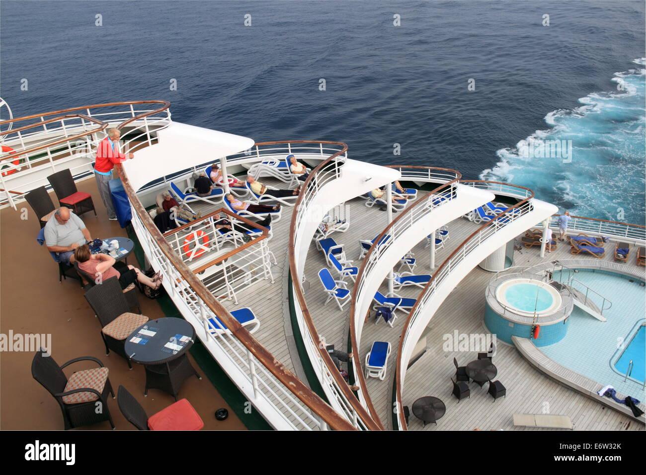Terrace Pool on aft deck, P&O Cruises Oriana, Norway 2014 Stock Photo