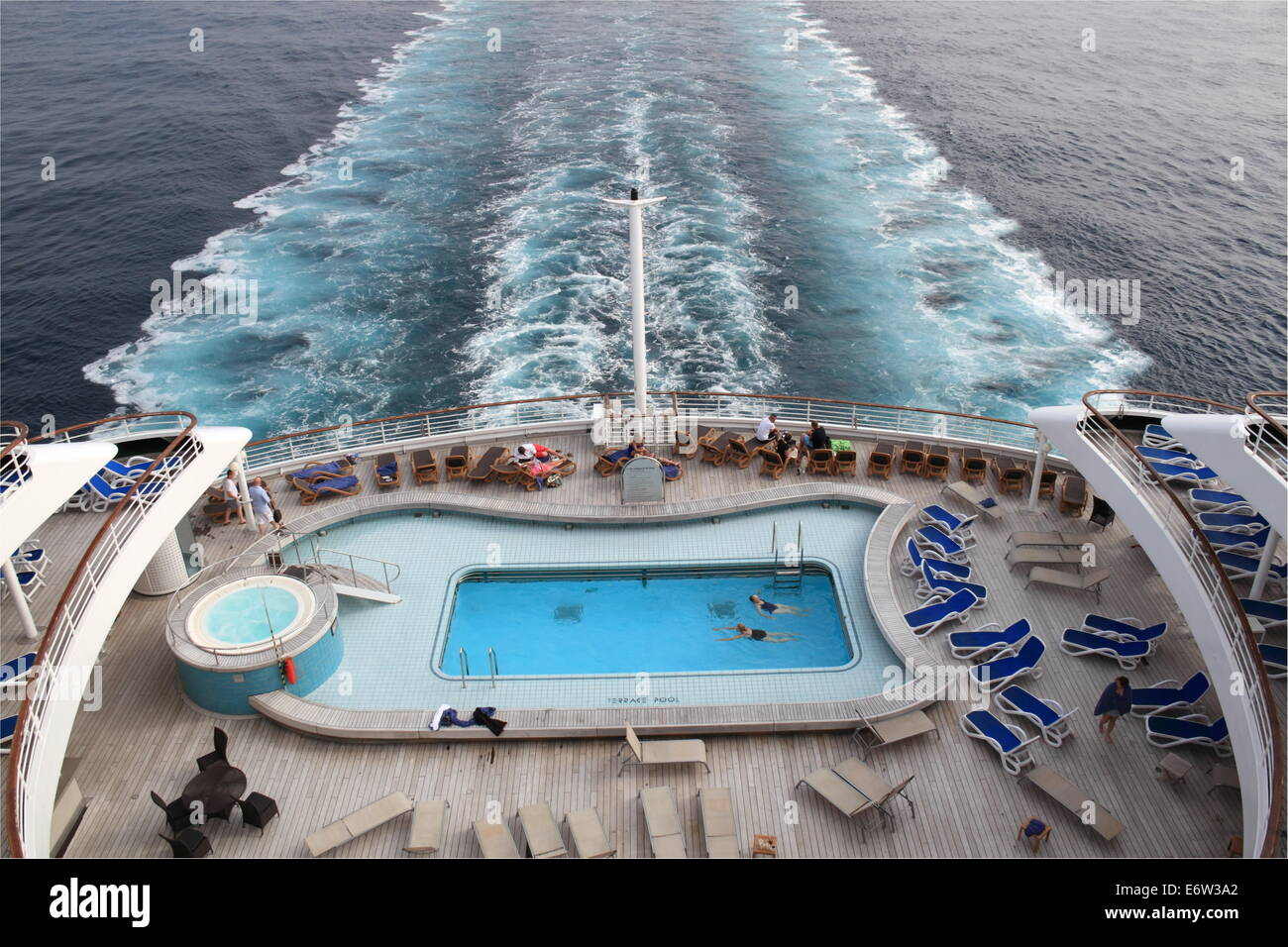 Terrace Pool on aft deck, P&O Cruises Oriana, Norway 2014 Stock Photo