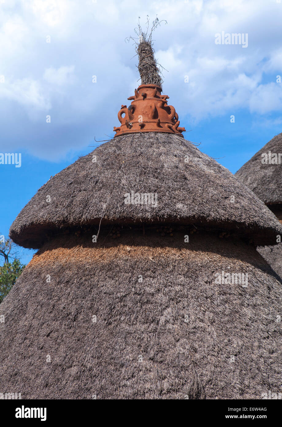 Konso Tribe Traditional Houses With Pots On The Top, Konso, Omo Valley, Ethiopia Stock Photo