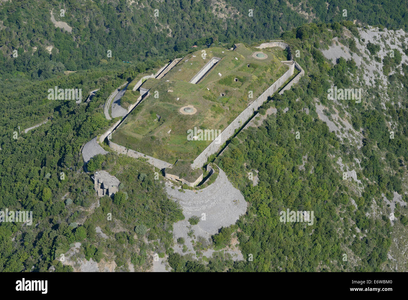 FORT DU BARBONNET (aerial view). Above Sospel, Alpes-Maritimes, French Riviera, France. - Stock Image