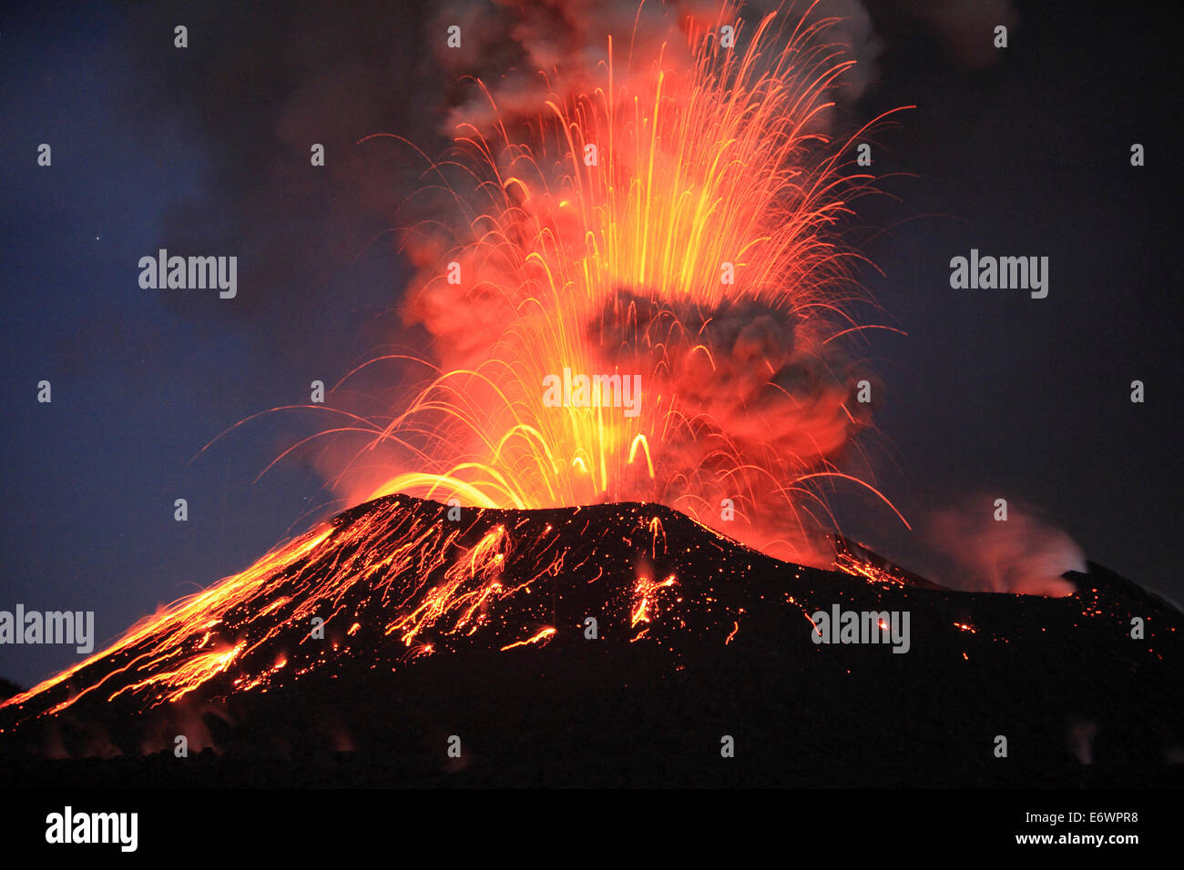 Tavurvur Volcano, Rabaul, East New Britain, Papua New Guinea, Pacific - Stock Image