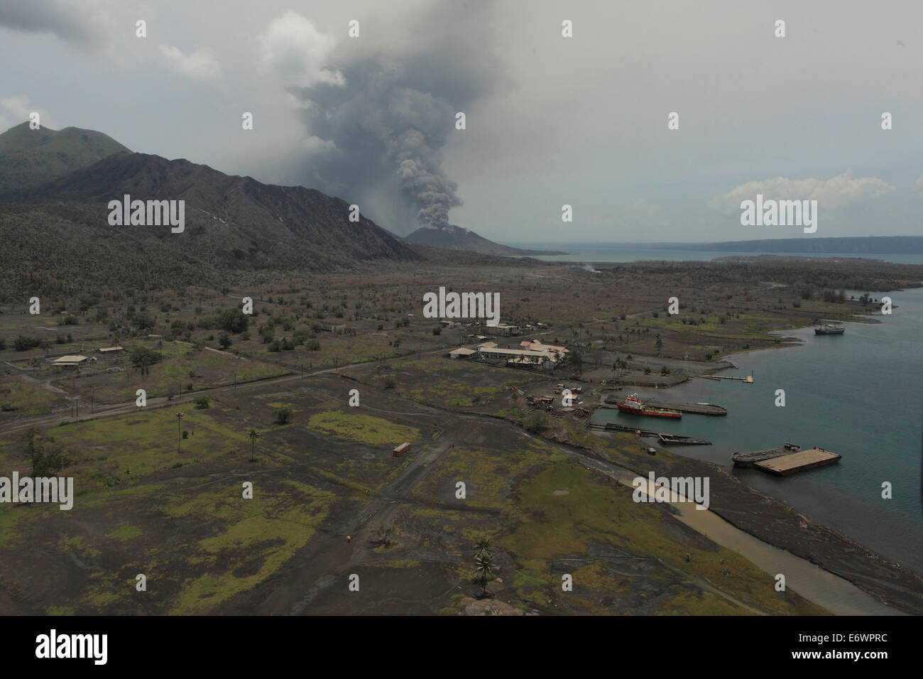 Tavurvur volcano and surroundings, Tavurvur Volcano, Rabaul, East New Britain, Papua New Guinea, Pacific - Stock Image