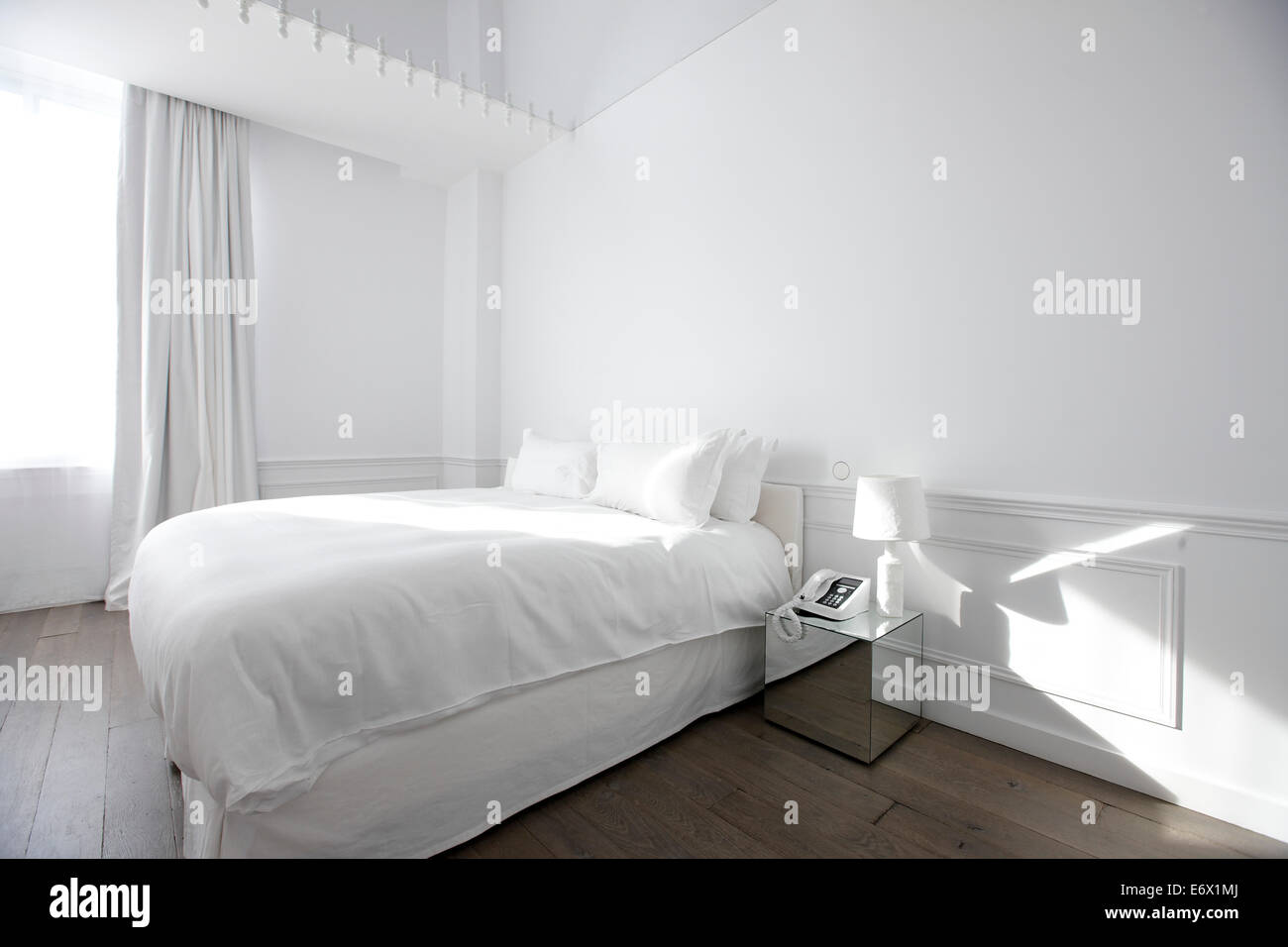 Couture room White Cover Suite at Hotel La Maison Champs-Elysees, designed by Martin Margiela, Paris, France - Stock Image