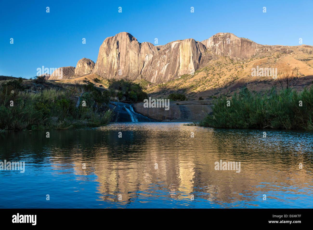 Tsaranoro Massif with reflection, highlands, South Madagascar, Africa - Stock Image