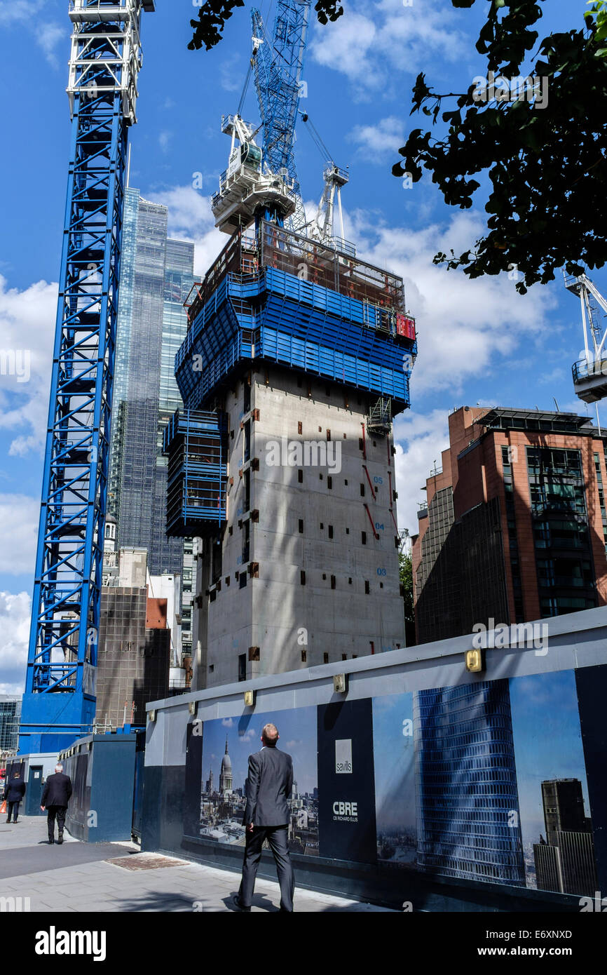 Construction site of The Pinnacle,  22-24 Bishopsgate, in the City of London financial district, August 2014 - Stock Image
