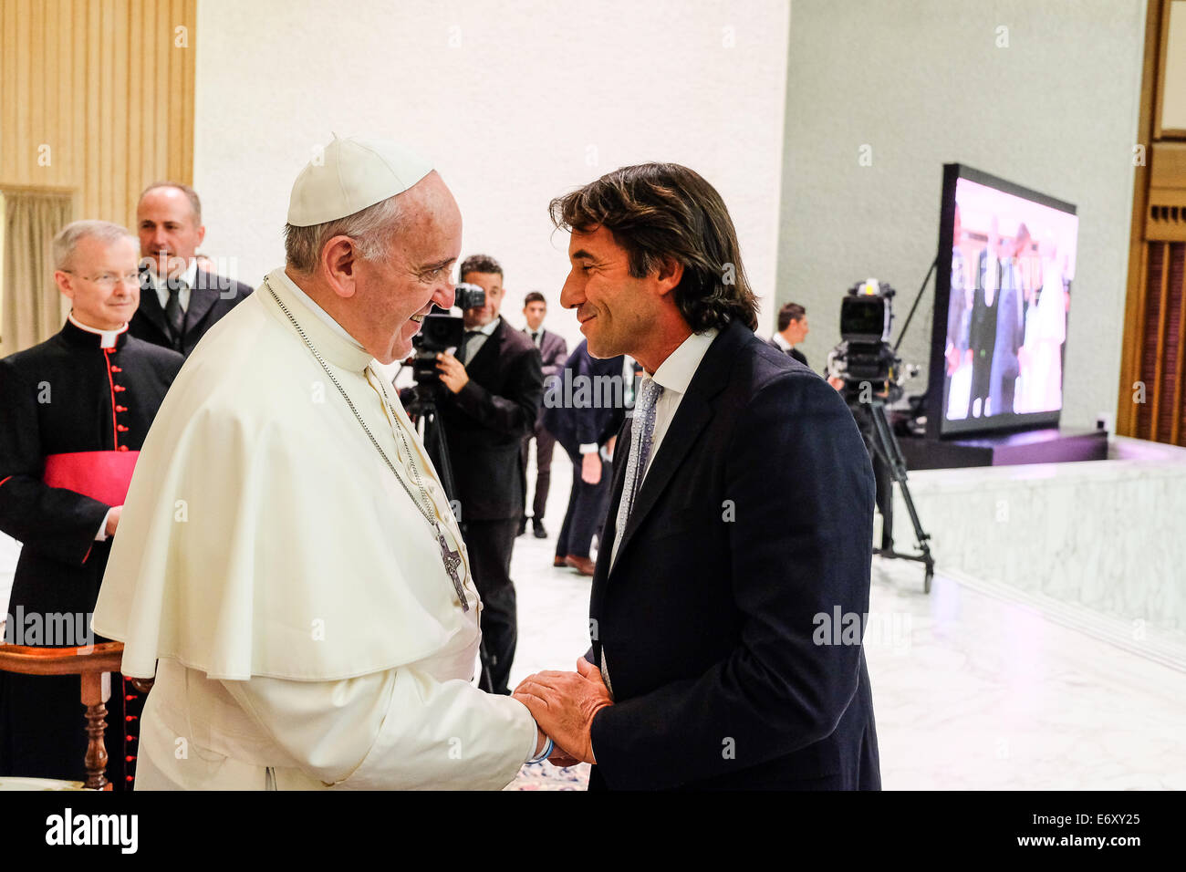 Rome, Italy. 1st Sept, 2014. Pope Francis encounters the football teams of the 'Match fot Peace' played - Stock Image