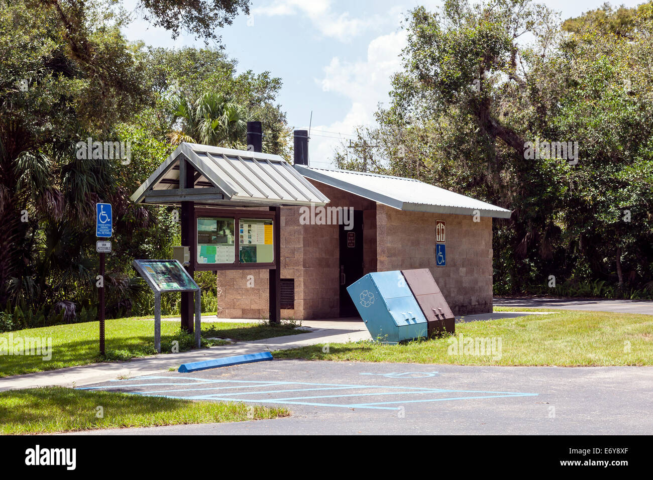 Turner River rest area and boat ramp facility composting restrooms in the Big Cypress Wildlife Management Area, - Stock Image