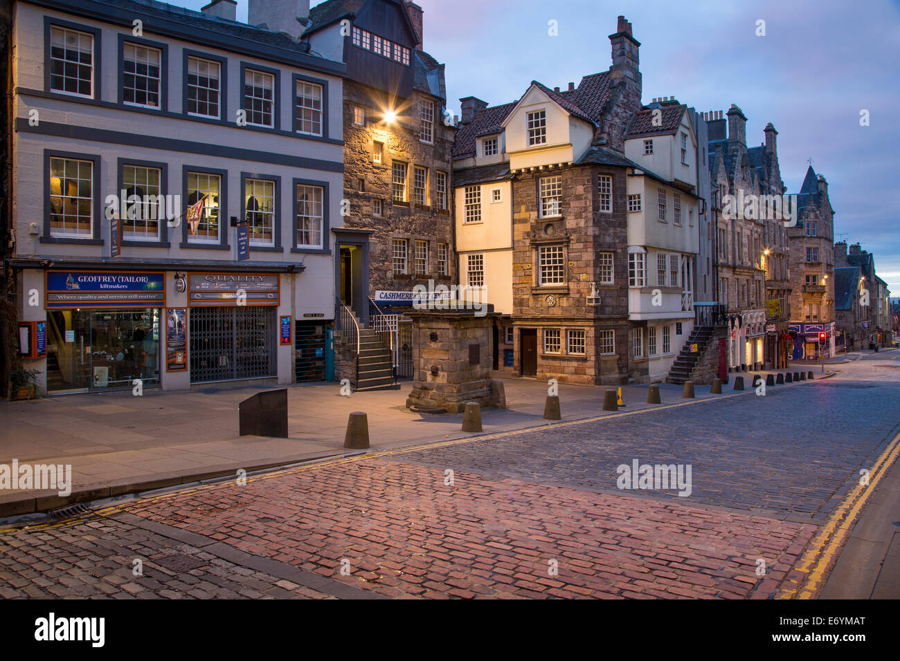 The John Knox and Moubray homes (oldest homes in town) along a deserted Royal Mile Street, Edinburgh, Lothian, Scotland Stock Photo