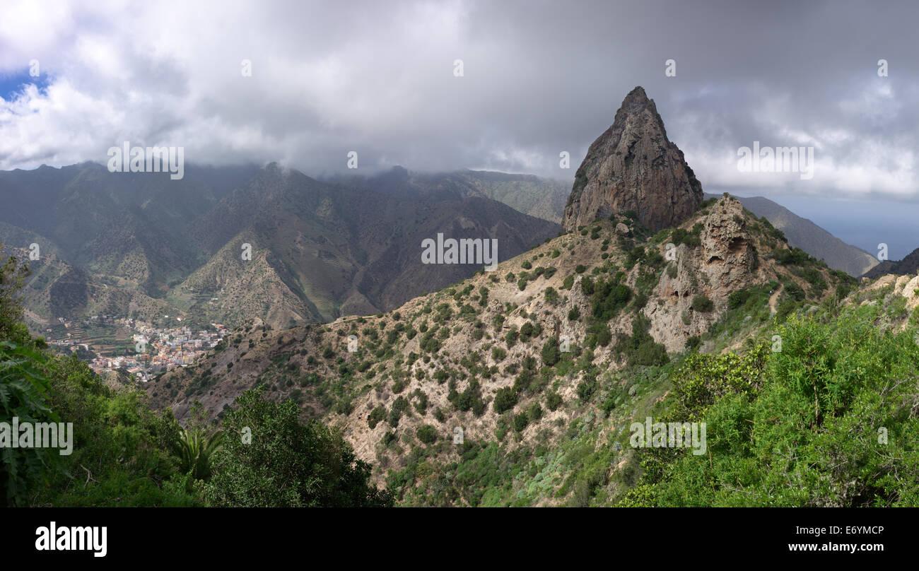 La Gomera - Roque El Cano above the town of Vallehermoso - Stock Image