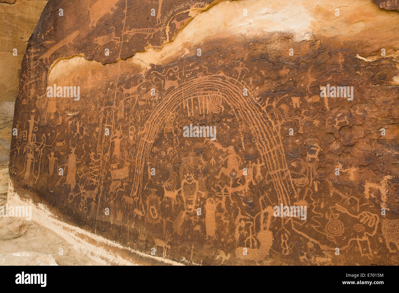 USA, Utah, near Emery, Rochester Petroglyph Panel, contains both Barrier Canyon style and Fremont style elements - Stock Image