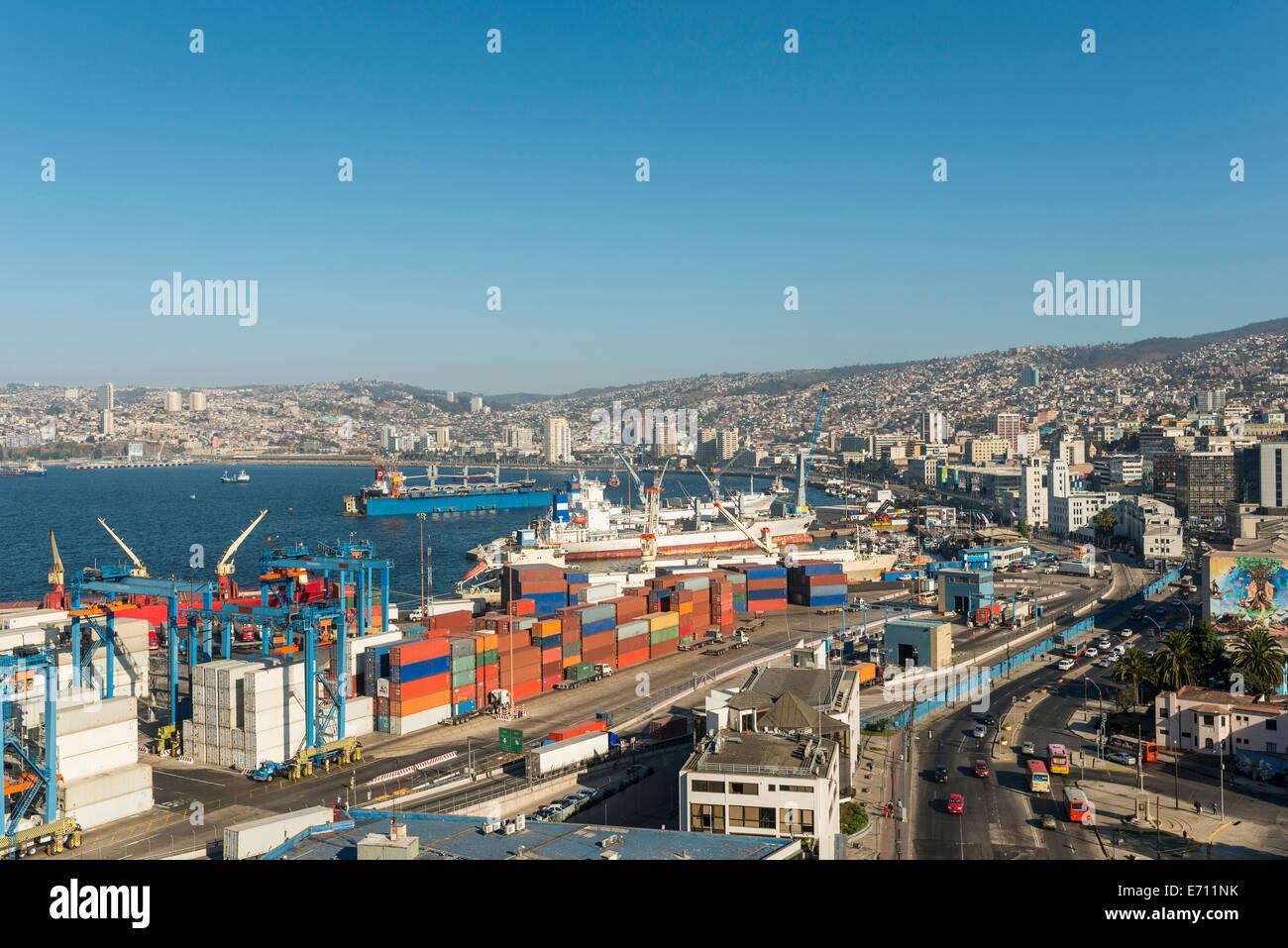 View of city and ports from Paseo 21 de Mayo, Cerro Playa Ancha, Valparaiso, Central Coast, Chile - Stock Image