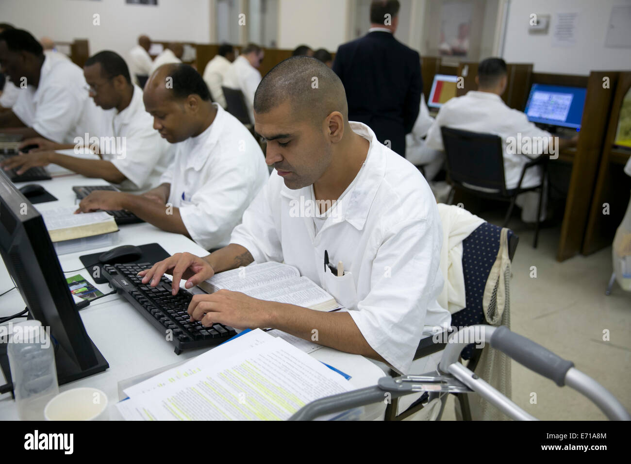 Male inmate students who are enrolled in the Southwestern Baptist Theological Seminary program at Darrington prison - Stock Image