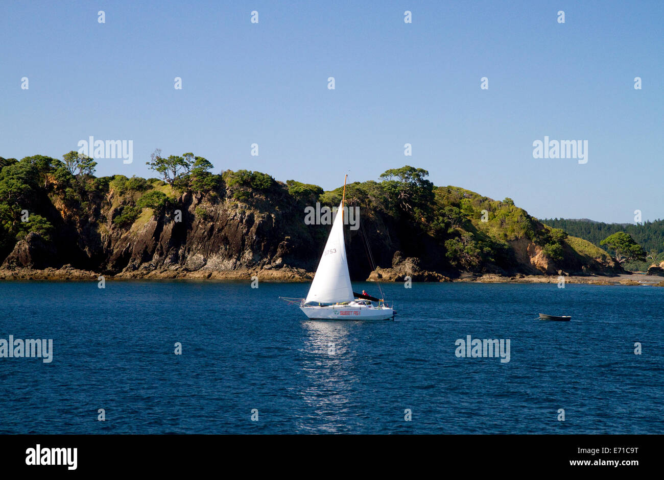 Sail boat in the Bay of Islands, North Island, New Zealand. - Stock Image