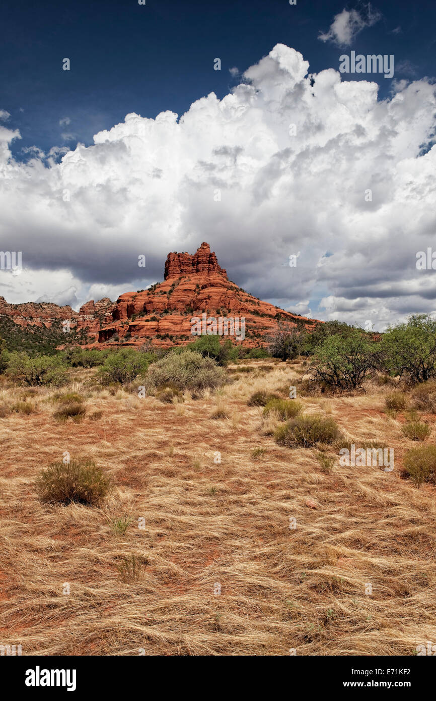 Bell Rock is a popular tourist attraction just north of the Village of Oak Creek, Arizona, south of Sedona in Yavapai - Stock Image