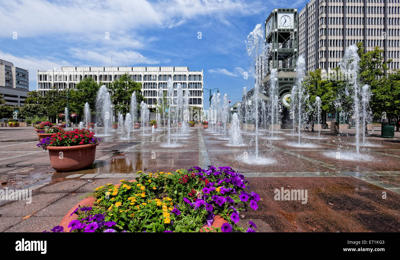Fountains - Knoxville Civic Center Plaza - Tennessee - Stock Image