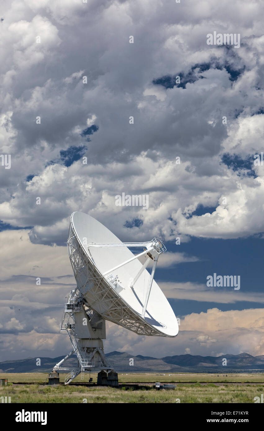 The VLA - Very Large Array - Radio Telescope in Socorro, New Mexico An astronomical interferometer is an array of - Stock Image