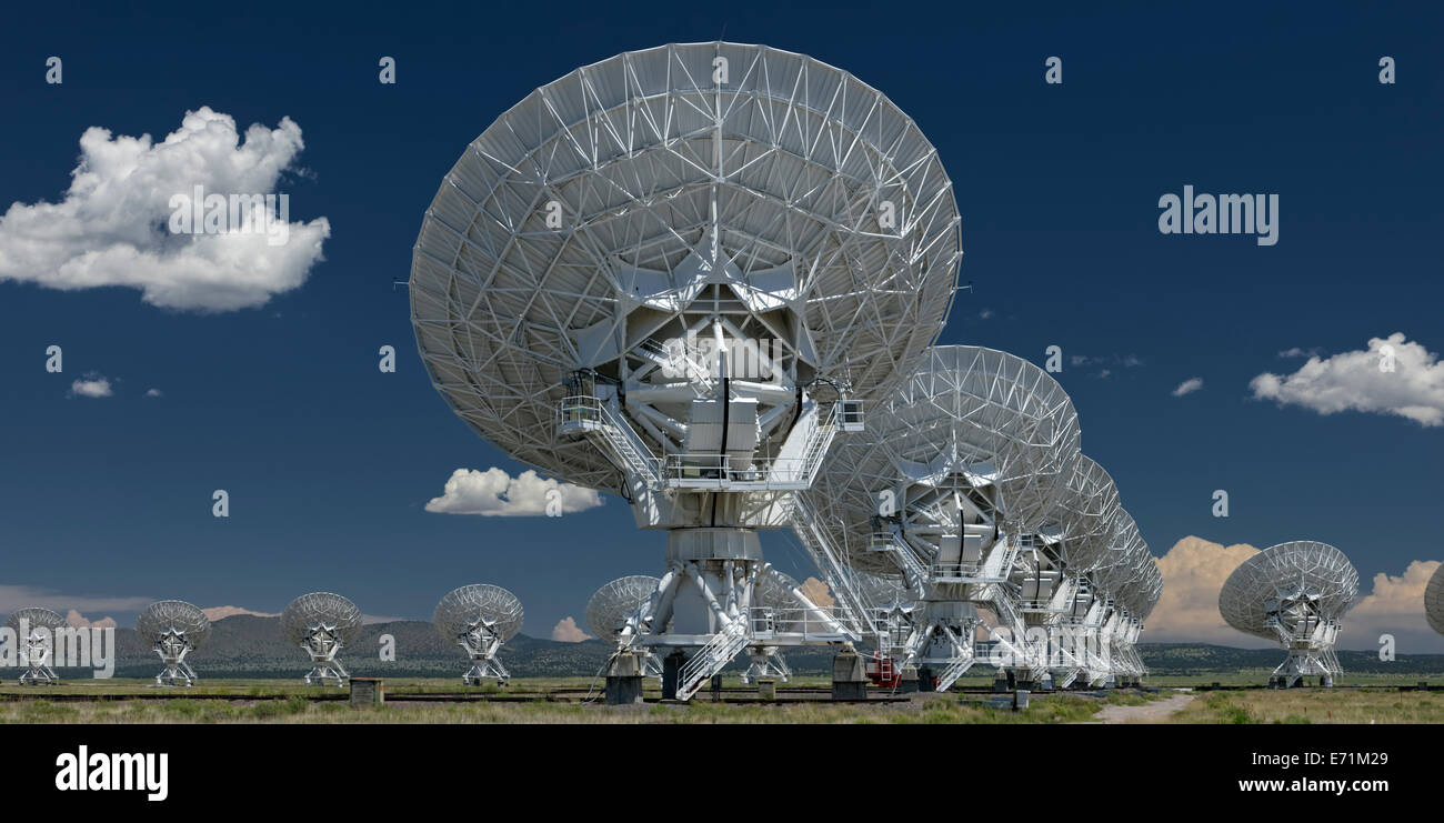 The VLA - Very Large Array - Radio Telescope in Socorro, New Mexico An astronomical interferometer is an array of Stock Photo