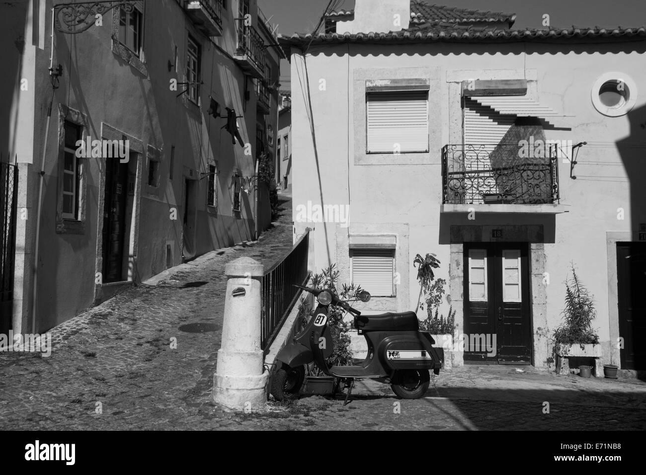 Streets of Alfama, Lisbon, Portugal - Stock Image