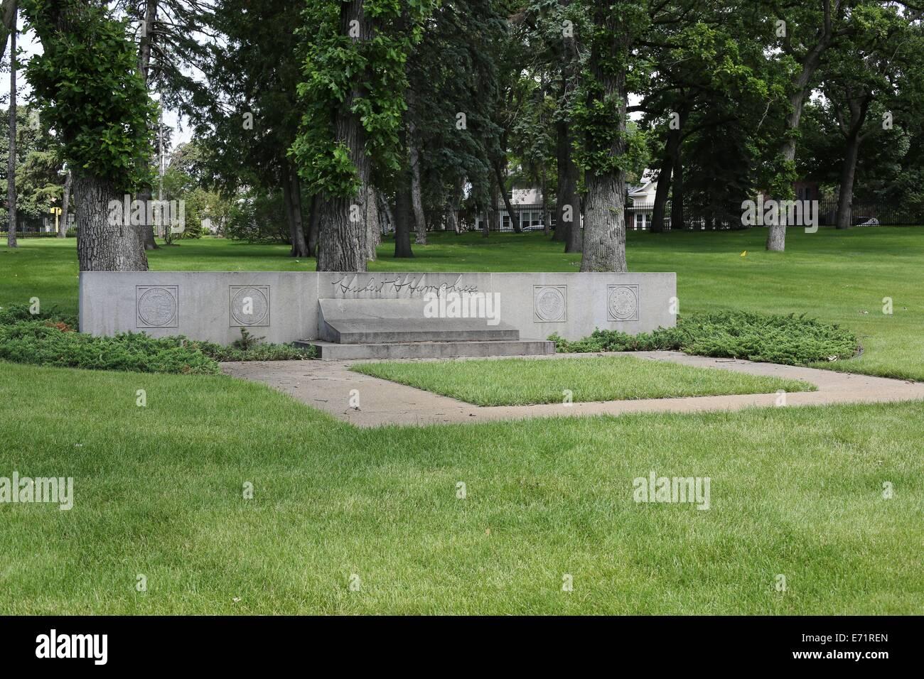 The grave of Hubert Humphrey in Lakewood Cemetery in Minneapolis, Minnesota. - Stock Image