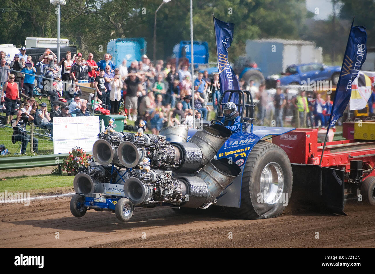 Four Engine Tractor : Tractor pulling puller with jest engines pullers four