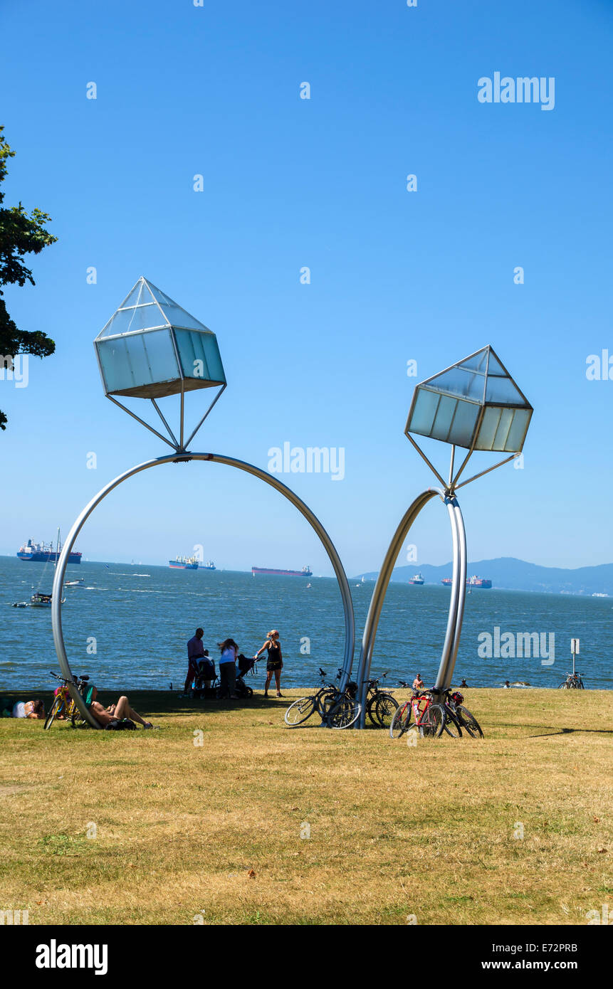 Engagement sculpture, Sunset Beach, Vancouver - Stock Image