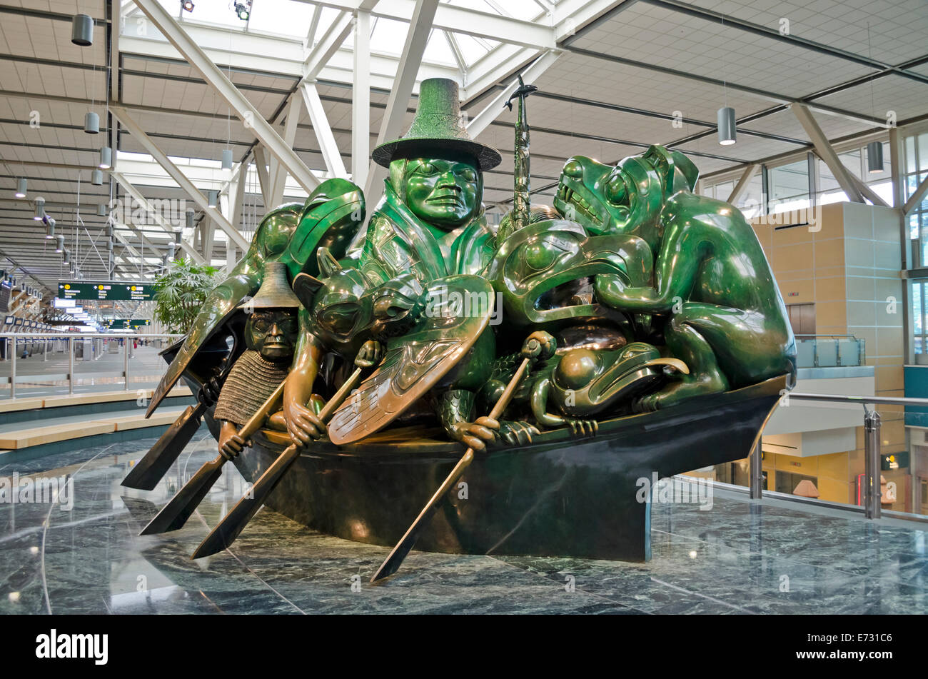 Beautiful 'The Spirit of Haida Gwaii:  The Jade Canoe' by indigenous sculptor Bill Reid, at Vancouver International - Stock Image