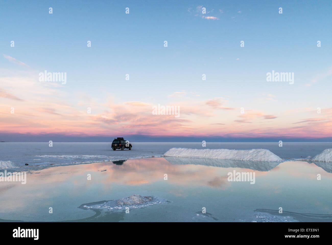 Car At Uyuni Salt Flats Or Salar De Uyuni Or Salar De Tunupa At Stock Photo Alamy