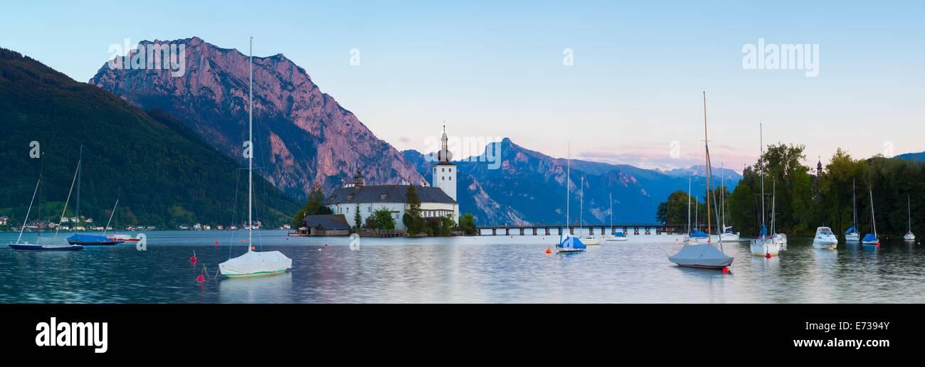 Picturesque Schloss Ort on Lake Traunsee, Gmunden, Salzkammergut, Upper Austria, Austria, Europe - Stock Image