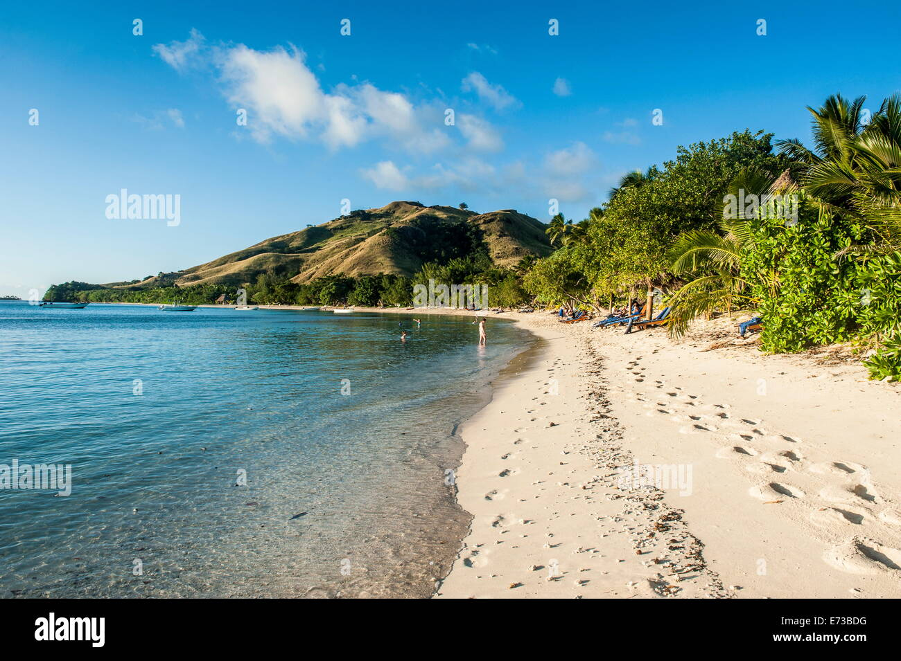 White sandy beach, Oarsman Bay, Yasawas, Fiji, South Pacific, Pacific - Stock Image