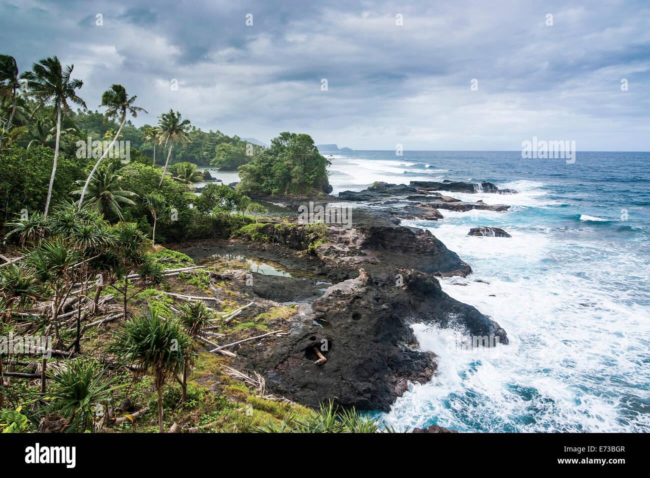 Wild rocky coast of Upolu, Samoa, South Pacific, Pacific - Stock Image