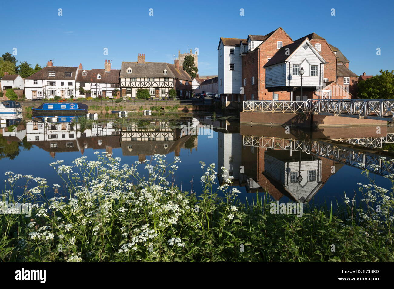 Abbey Mill and Tewkesbury Abbey on the River Avon, Tewkesbury, Gloucestershire, England, United Kingdom, Europe - Stock Image