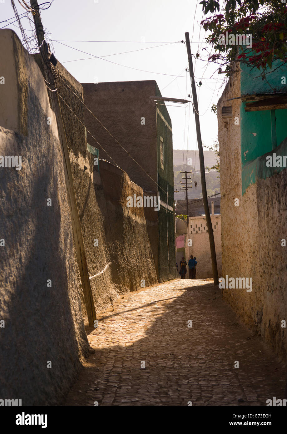 People Walking In The Narrow Streets Of The Old Town, Harar, Ethiopia - Stock Image
