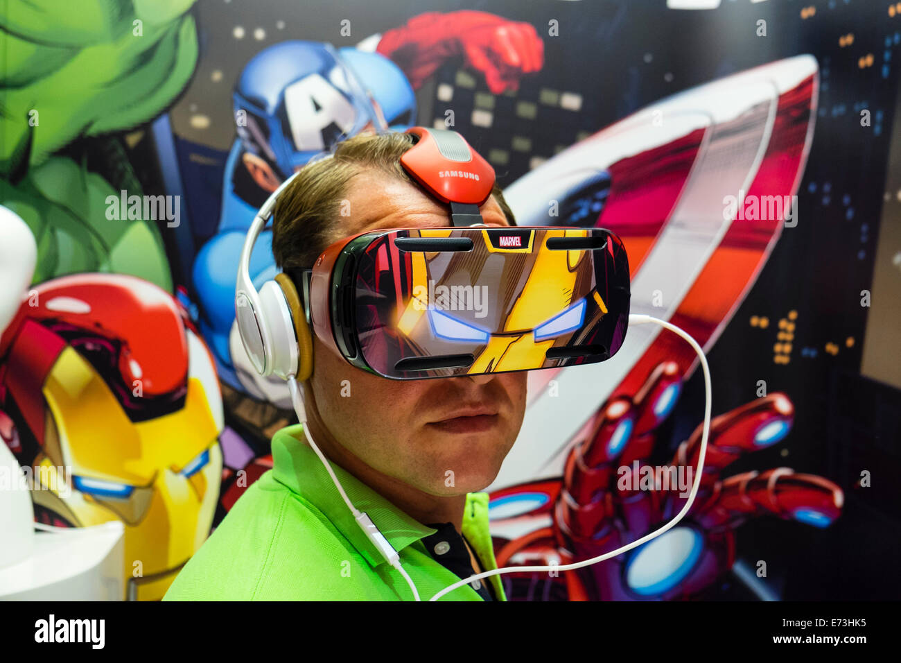 Berlin, Germany. 5th September, 2014. Visitor using Samsung Gear VR virtual reality headset launched at the IFA - Stock Image