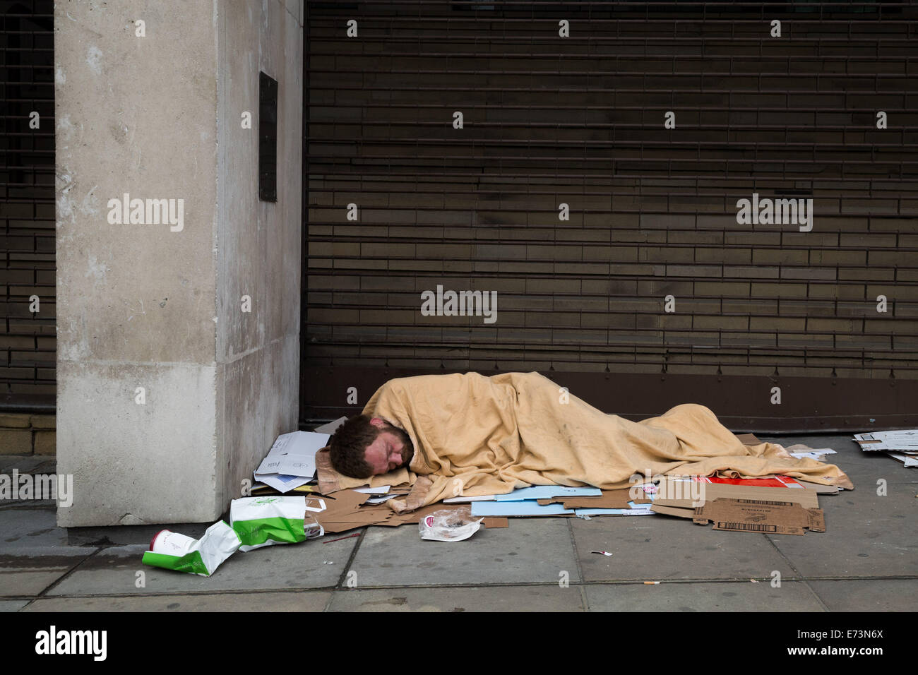 London, UK. 5th Sept, 2014.  Homeless and rough sleepers near The Strand © Guy Corbishley/Alamy Live News - Stock Image