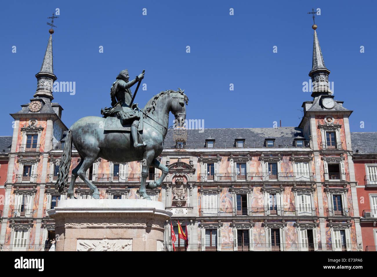 Spain, Madrid, Statue of King Philip III on horseback  Plaza Mayor. Stock Photo