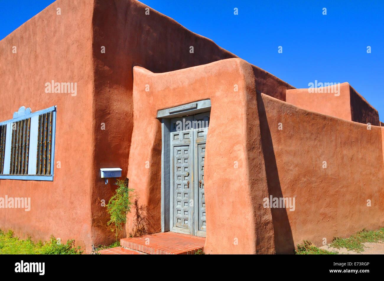 Adobe style house in Albuquerque, New Mexico, USA - Stock Image