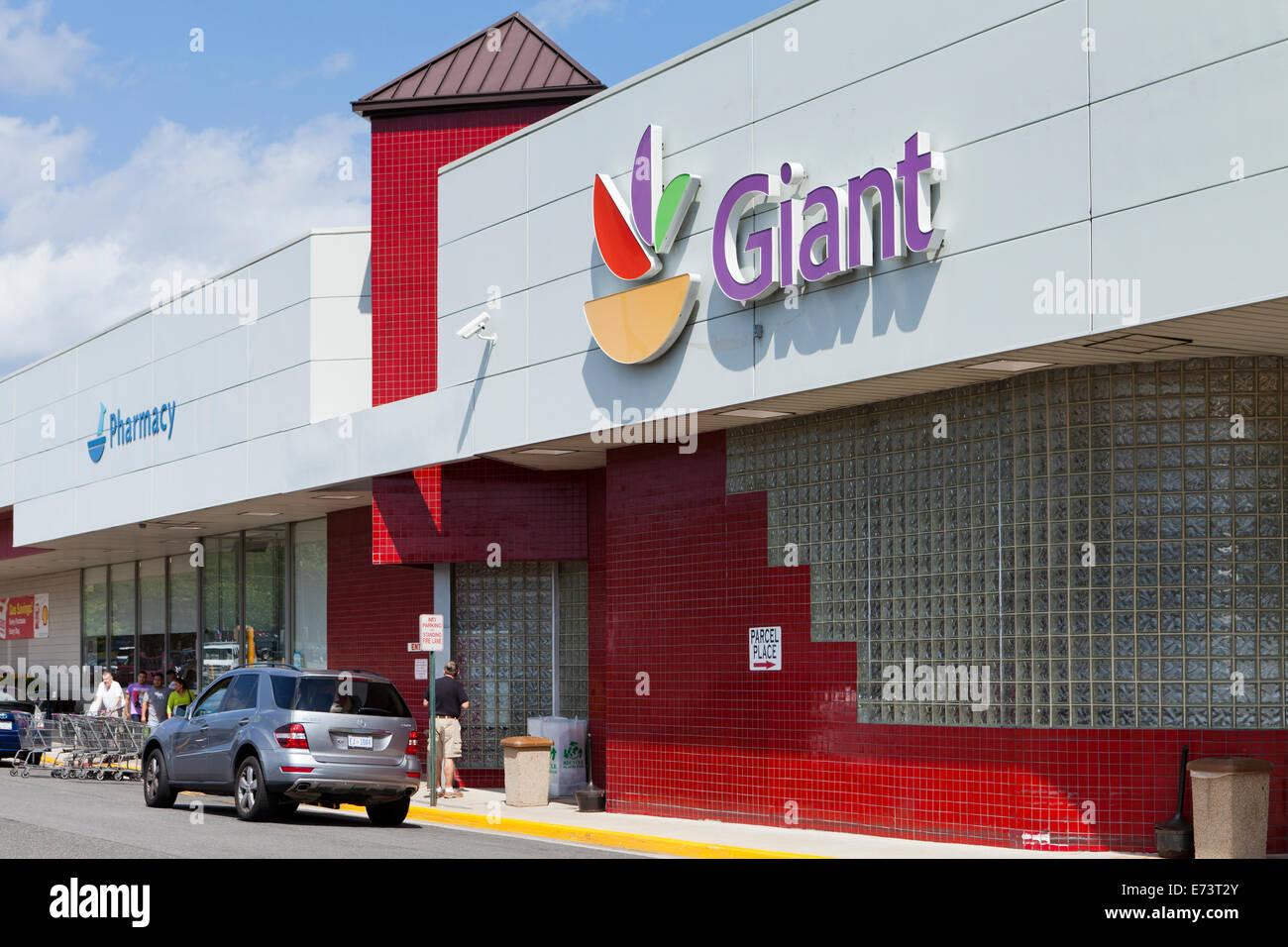 Giant Market Stock Photos Giant Market Stock Images Alamy