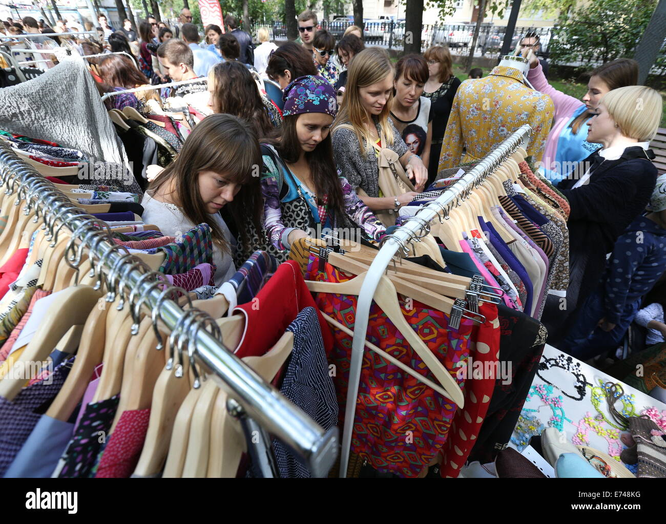 The clothing market, Moscow. Wholesale clothing markets in Moscow