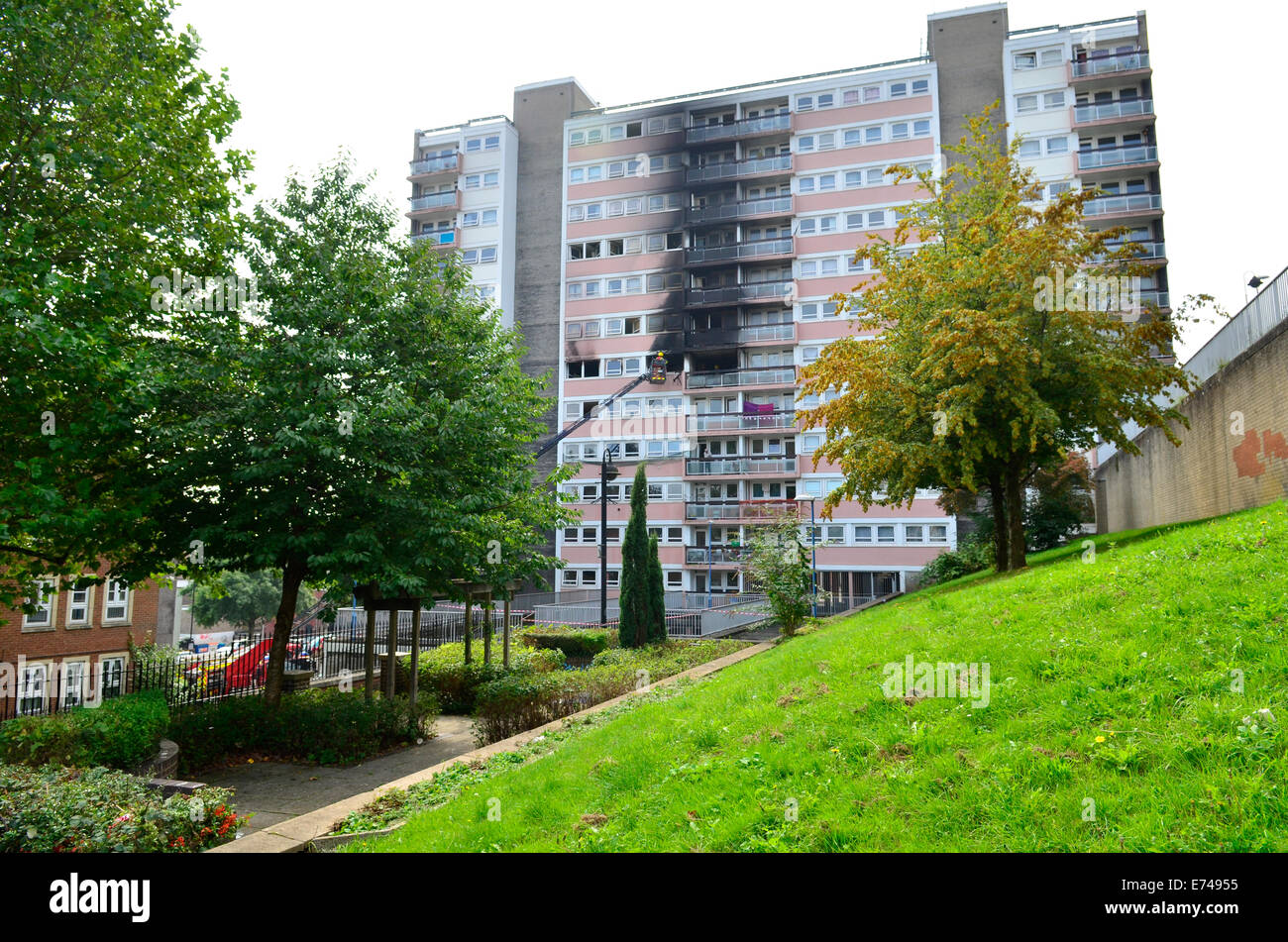 Bristol, UK. 6th September, 2014. One person died in a major fire in a Block of Flats in Carolina House in Dove - Stock Image