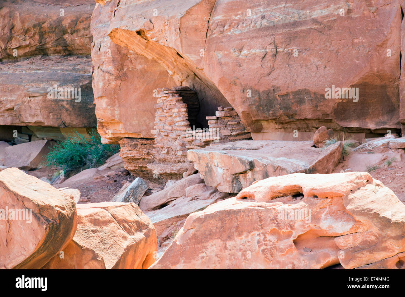 Canyonlands National Park, Utah - An ancient Anasazi granary on a cliff high above the Colorado River. - Stock Image