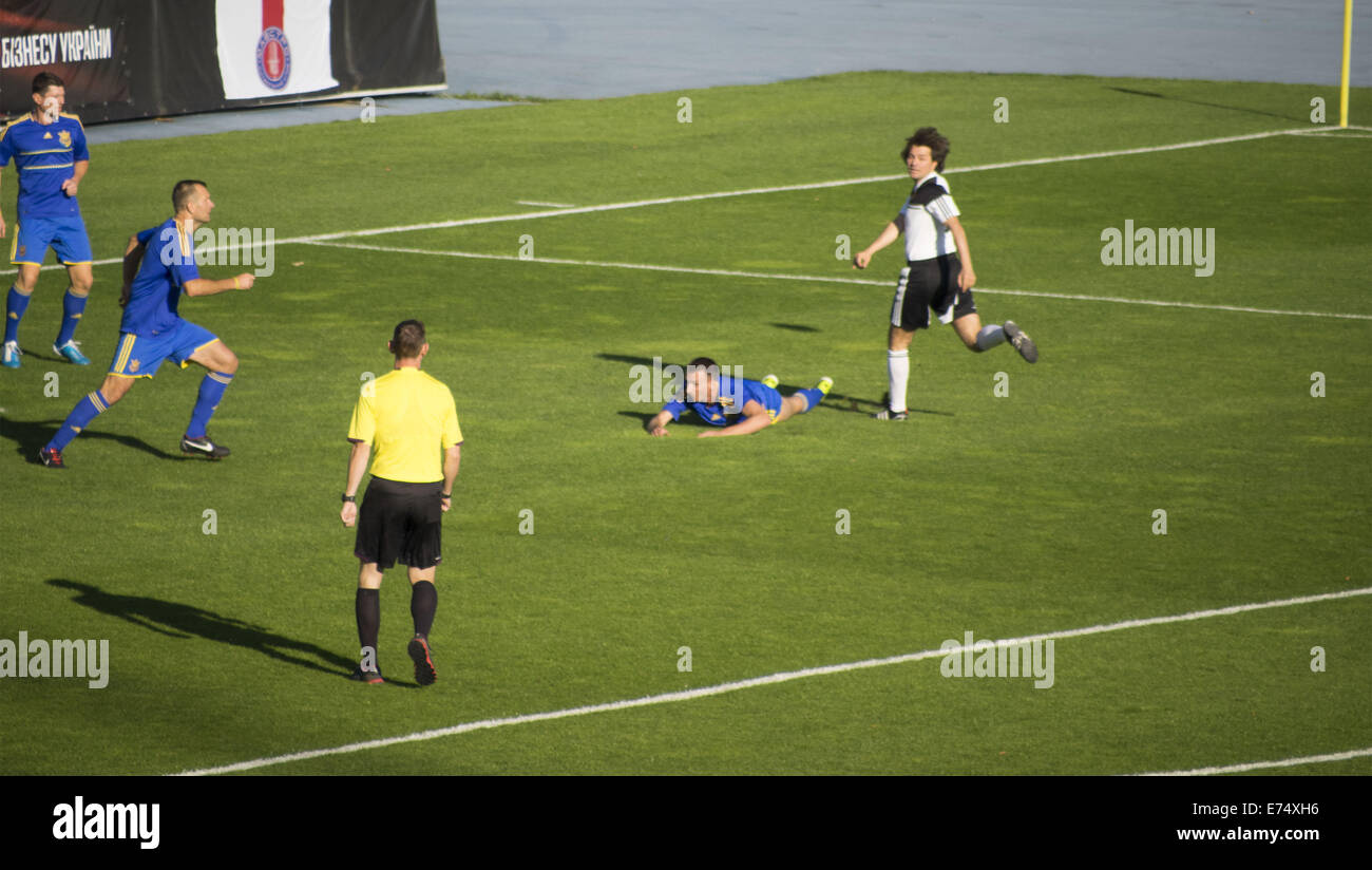 Kiev, Ukraine. 6th Sep, 2014. Game time - In a friendly match of pop stars, movies stars, businessmen, and members - Stock Image