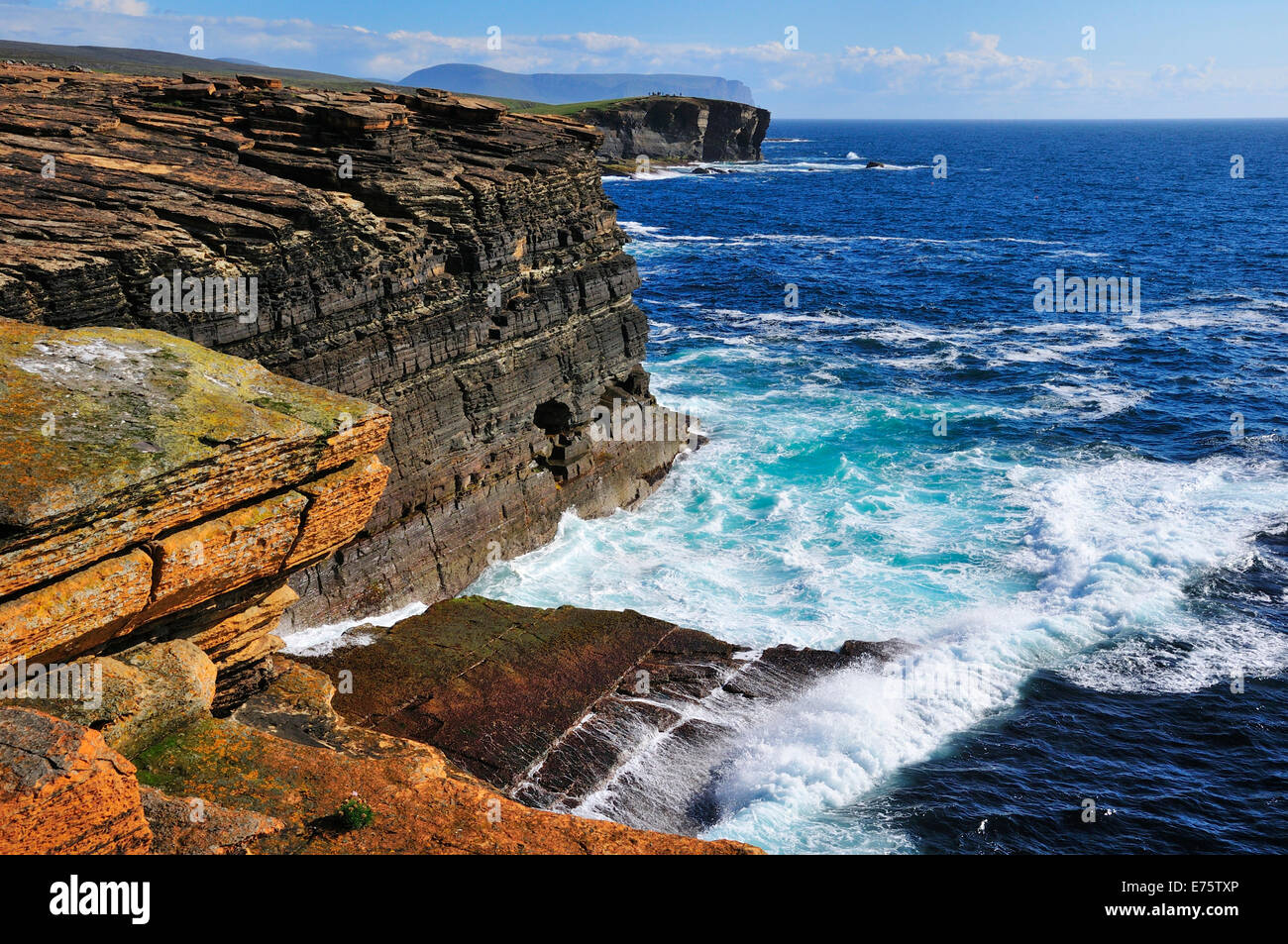 Surf at the cliffs, Yesnaby, Mainland, Orkney, Scotland, United Kingdom - Stock Image